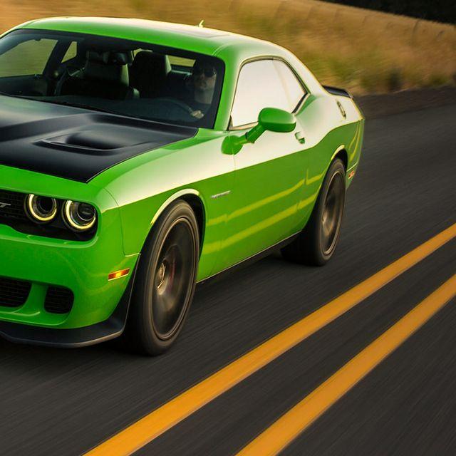 Dodge-Challenger-Hellcat-Gear-Patrol-Lead-FUll-Right