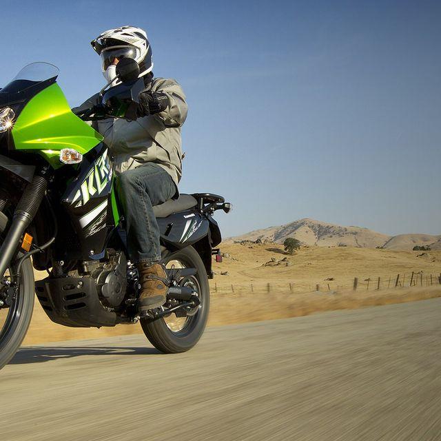 Kawasaki-KLR-650-GP100-Gear-Patrol-Lead-Full-Right