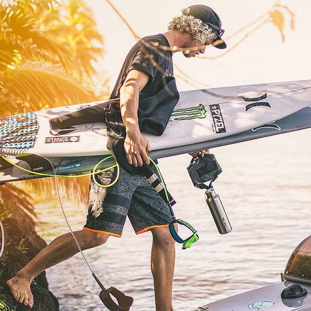 Hurley-Phantom-Boardshorts-Gear-Patrol-Lead-Full