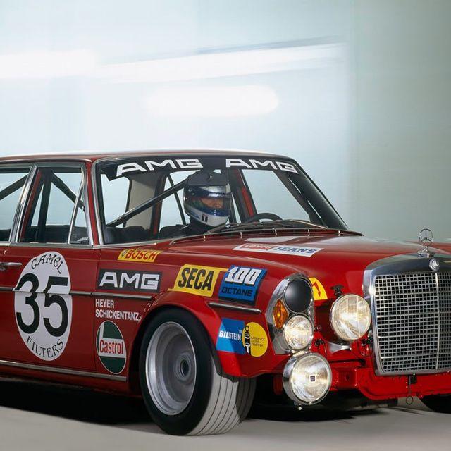 Mercedes-Benz-300-SEL-63-AMG-Gear-Patrol-Lead-Full