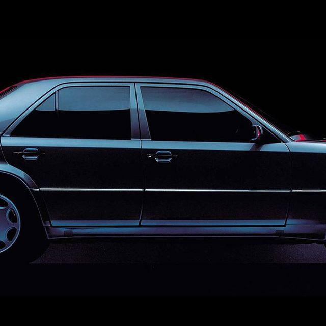 Mercedes-Benz-500E-Gear-Patrol-Lead-1440-v2