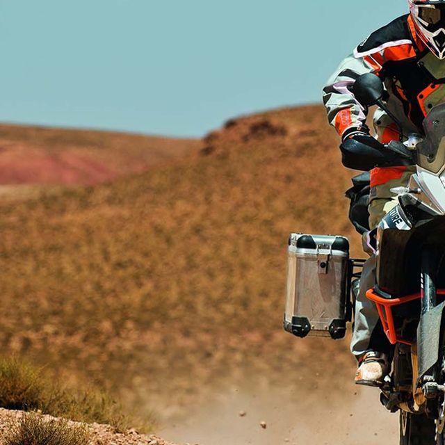 tour-bike-gear-patrol-lead2