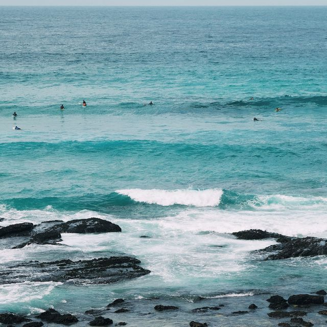 bondi-beach-blues-postcard-gear-patrol-lead-full