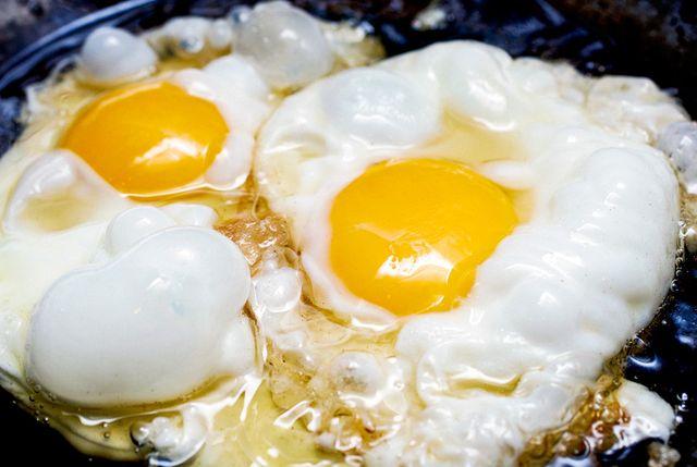 how to fry an egg gear patrol lead full