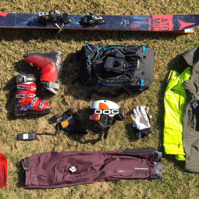 Kit-Heli-Skiing-Gear-Patrol-Lead-Full