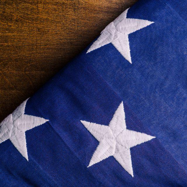 Fold-American-Flag-Gear-Patrol-Lead-Full