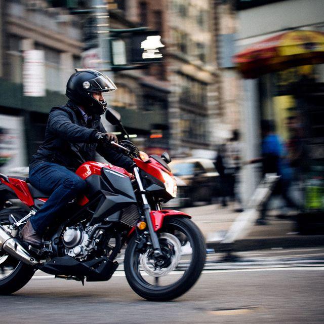 Honda-CB-300-F-Gear-Patorl-Slide-9