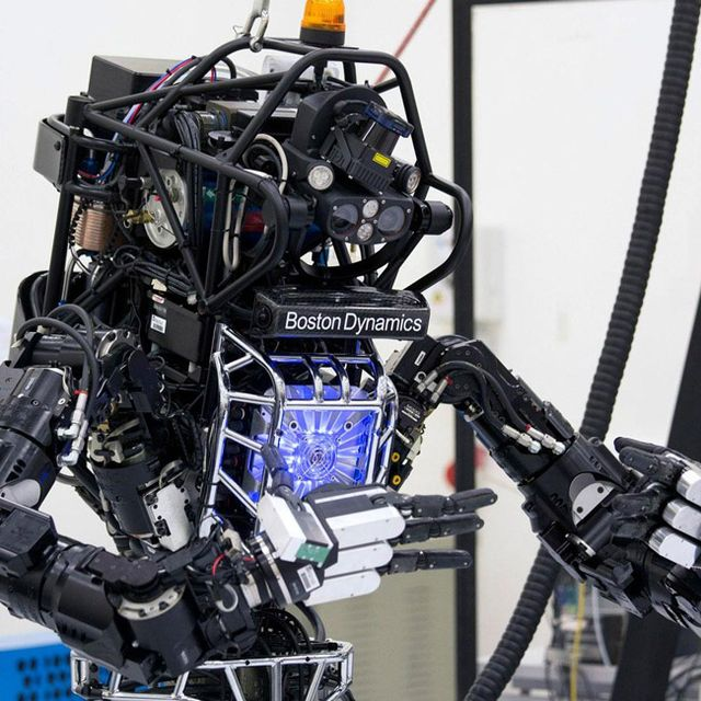Robot-Labs-Gear-Patrol-Lead-Full