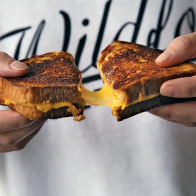 Grilled-Cheese-Recipe-Gear-Patrol-Lead-Full