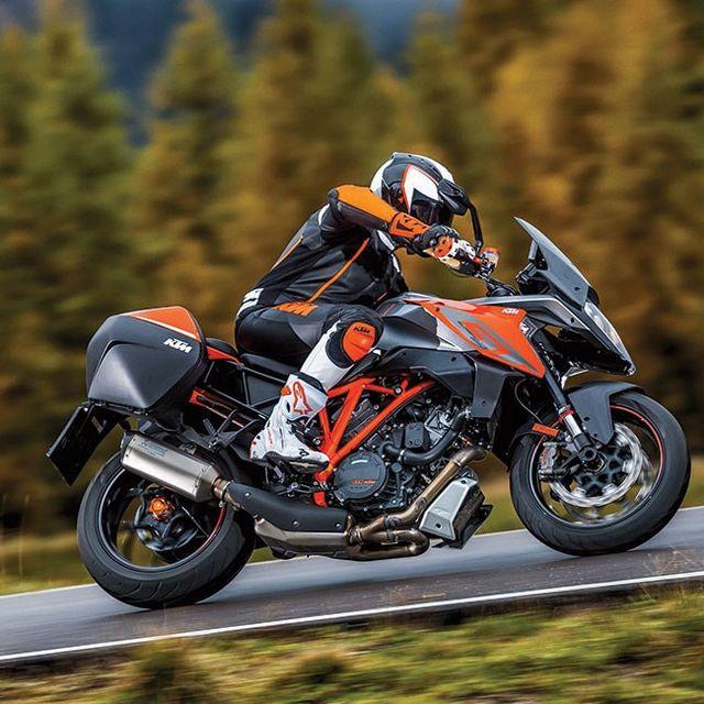 Moto-2016-gear-patrol-full-lead
