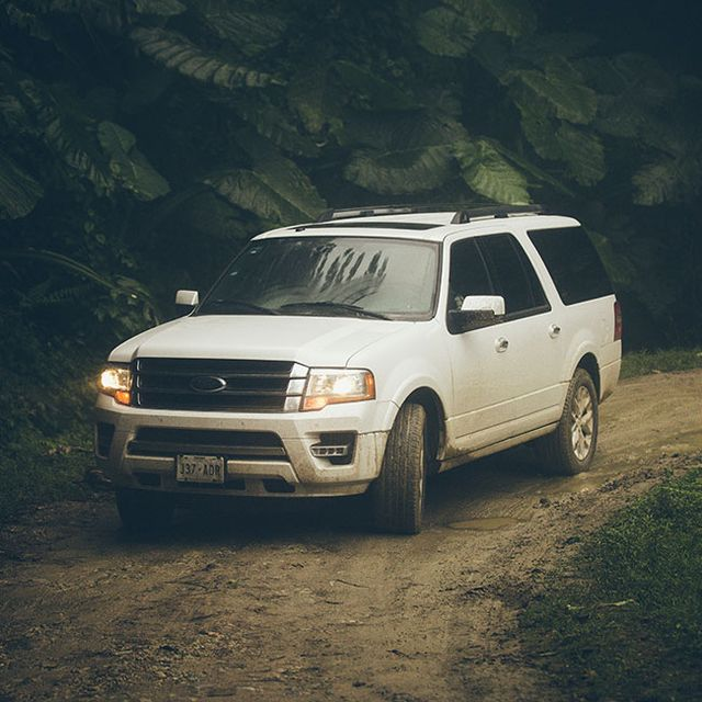 ford-expedition-gear-patrol-slide-2