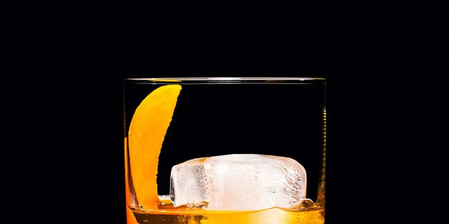 It's Time You Learned How to Make an Old Fashioned