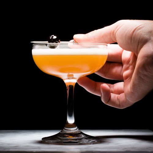 Classic-Whiskey-Cocktails-Gear-Patrol-Lead-featured
