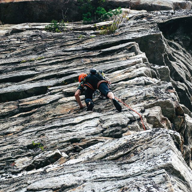 workouts-for-climbers-gear-patrol-full-lead
