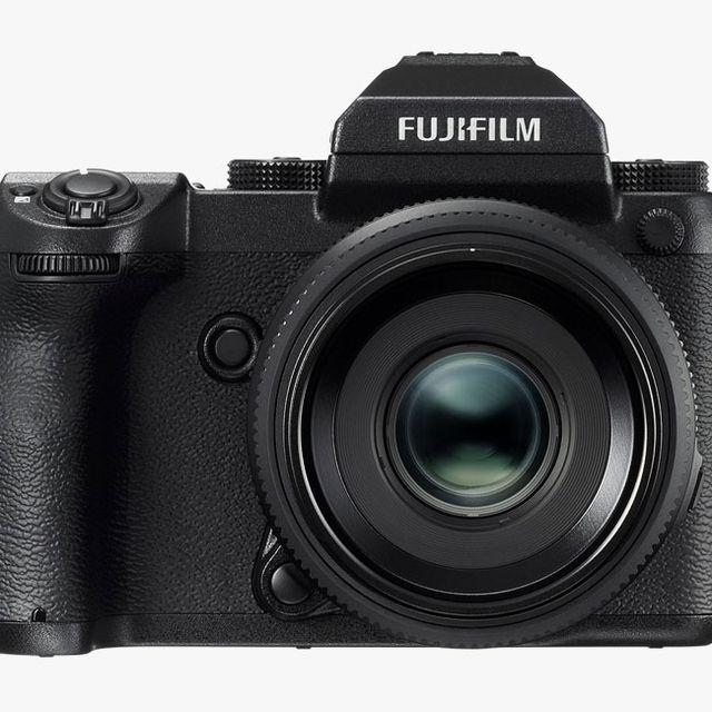 fujifilm-gfx-50s-gear-patrol-full-lead