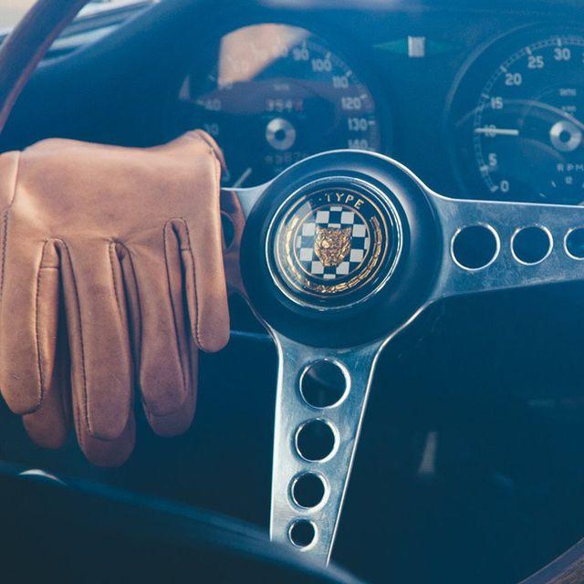 mujjo-driving-gloves-gear-patrol-lead