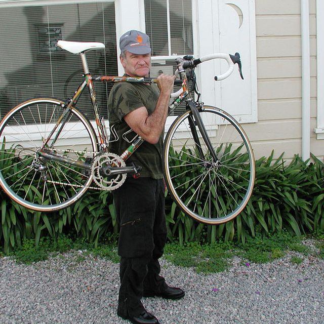 robin-williams-bikes-gear-patrol-lead-full