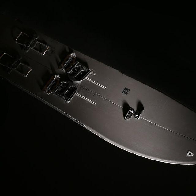 powder-snowboard-gear-patrol-full-lead