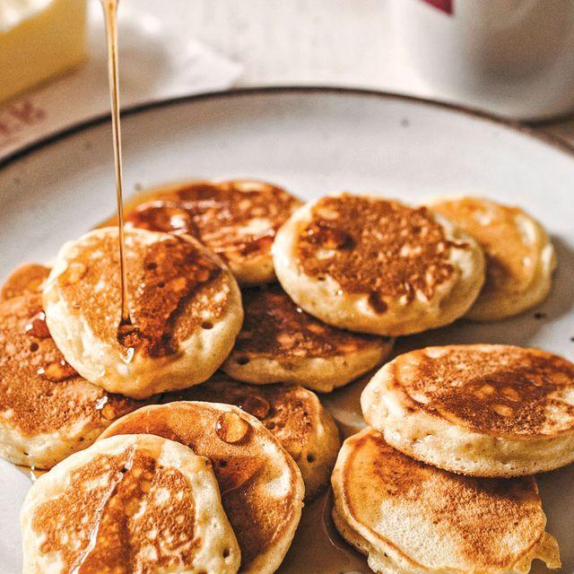 Silver-Dollar-Pancakes-Gear-Patrol-Lead-Full