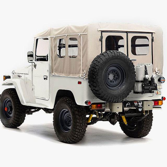 mailbag-fj40-gear-patrol-full-lead