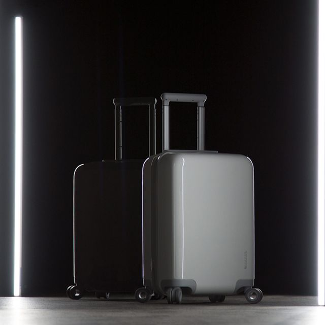Incase-Smart-Luggage-Gear-Patrol-Lead-Full