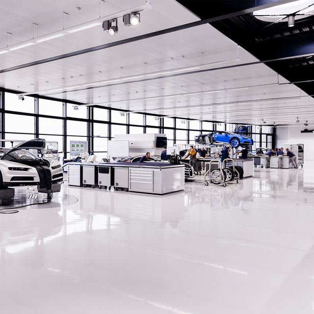 Bugatti-Factory-Note-Gear-Patrol-Slide-02