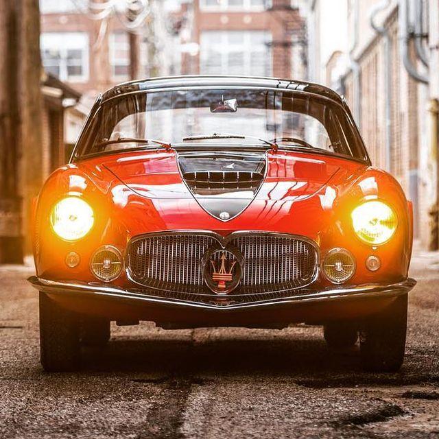 vintage-car-overload-gear-patrol-full-lead