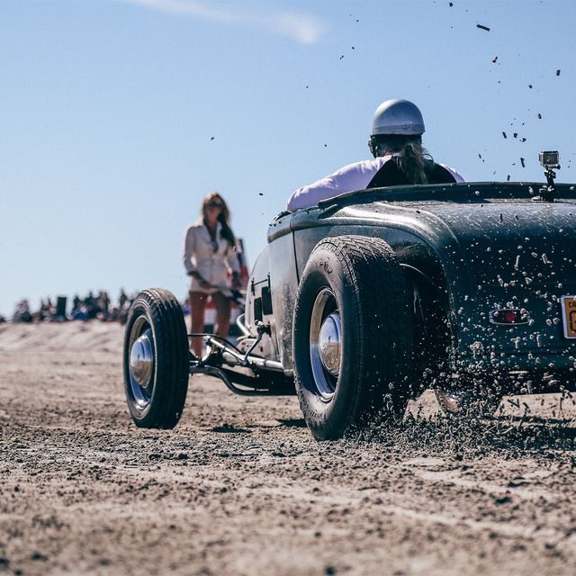 vintage-drag-race-gear-patrol-full-lead