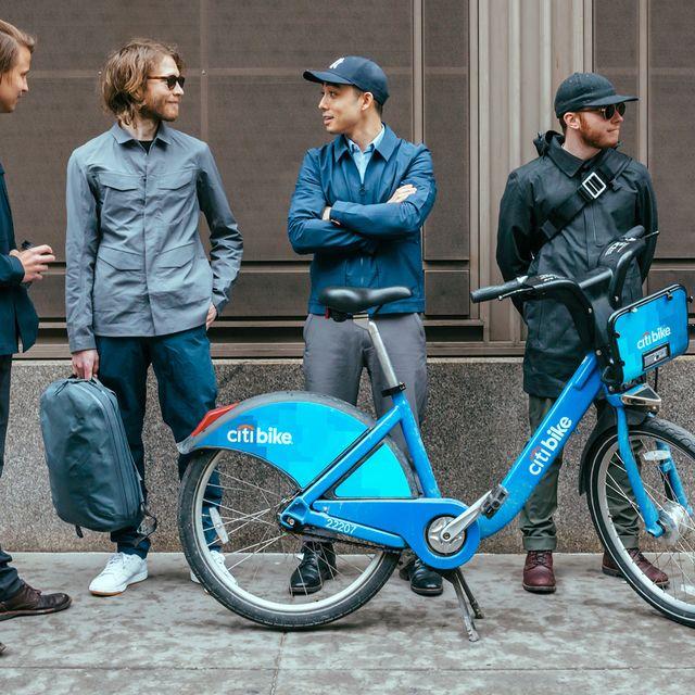 bike-commuter-outfits-gear-patrol-1440-full-lead