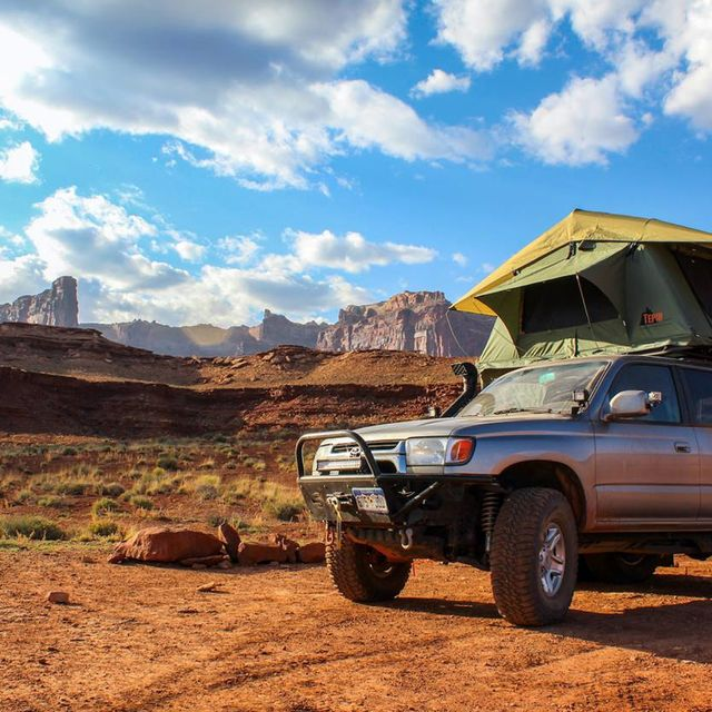 5-Reasons-to-Ditch-Your-Tent-and-Get-a-Rooftop-One-Instead-gear-patrol-Full-lead