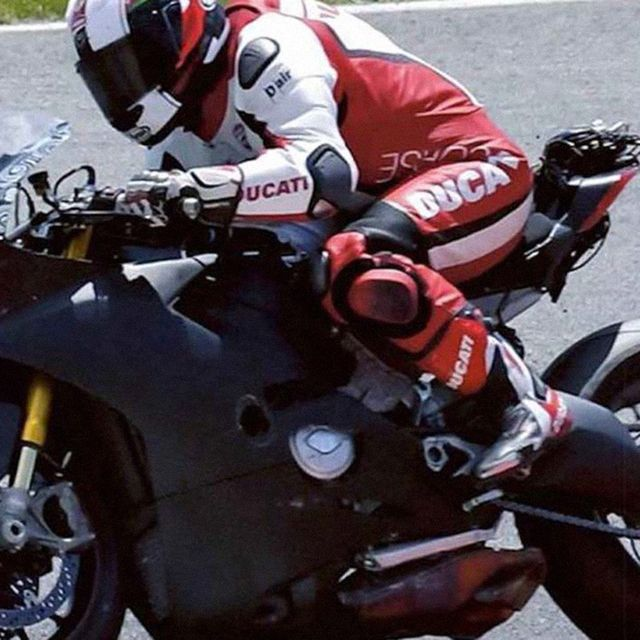 Ducati-V4-Gear-Patrol-Lead-Full