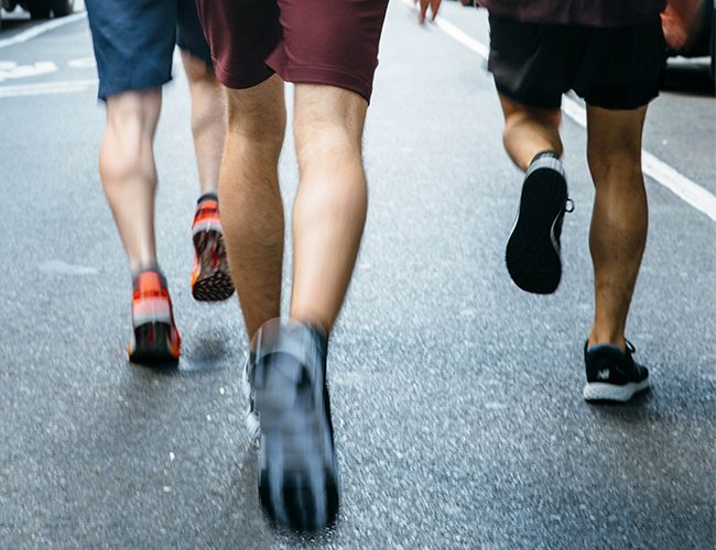 wrong running shoes knee pain