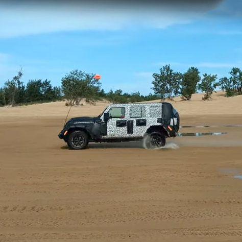 Jeep-Spy-Testing-gear-patrol-lead-feature