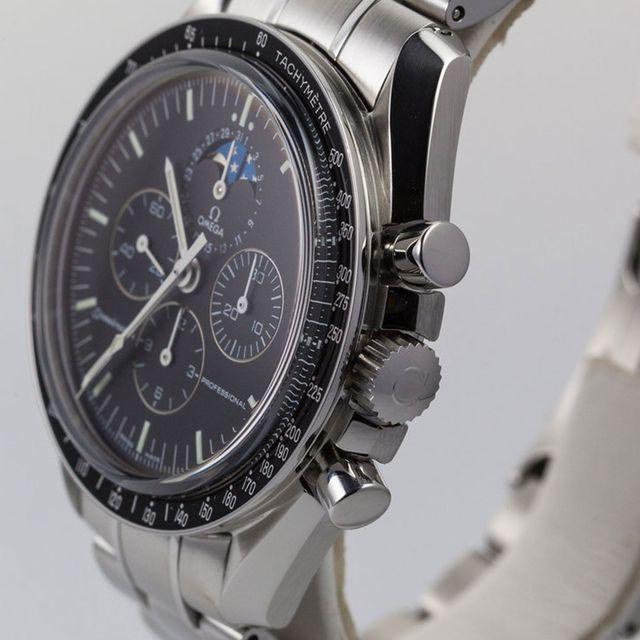 modern-classic-watches-gear-patrol-full-lead