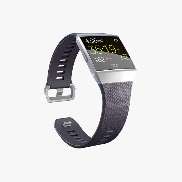 Fitbit-Ionic-gear-patrol-lead-full