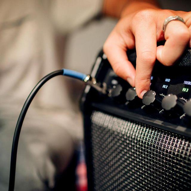 Best-Guitar-Amps-For-Beginners-Gear-Patrol-Lead-Full