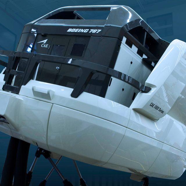 Boeing-Sim-Gear-Patrol-Lead-Full