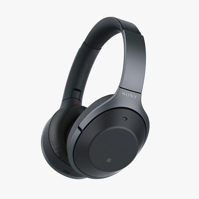 Deal-Sony-Sony-WH-1000XM2B-Gear-Patrol-Lead-Full