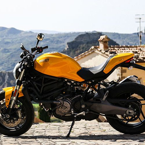 Ducati-821-Monster-Review-gear-patrol-lead-feature-V2