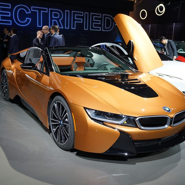LA-Auto-Show-Gear-Patrol–BMW-i8-Roadster-Gear-Patrol-Lead-Full
