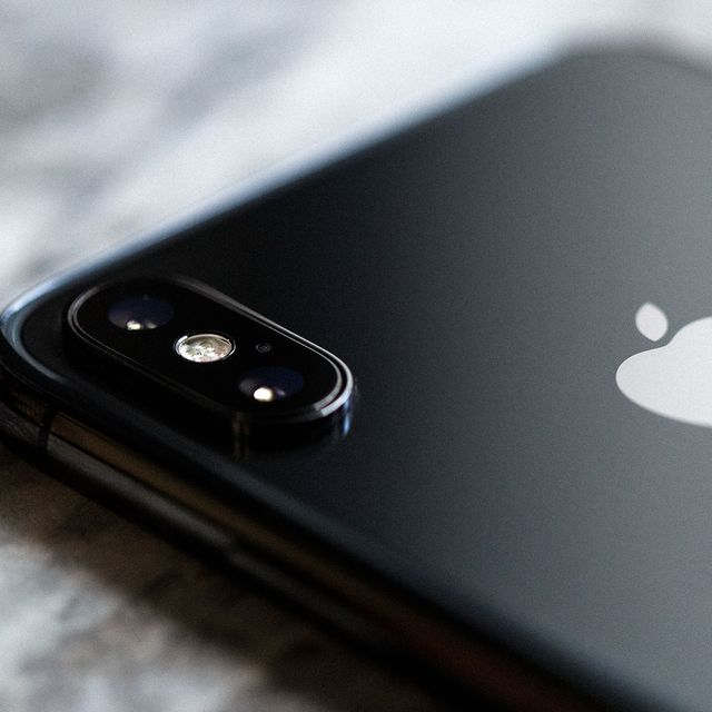 iPhone-X-Review-gear-patrol-3
