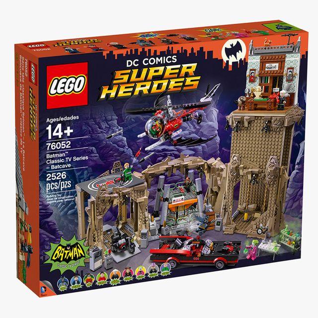 Batman-Lego-set-gear-patrol-full-lead
