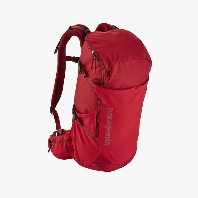 Patagonia-Day-Pack-gear-patrol-full-lead