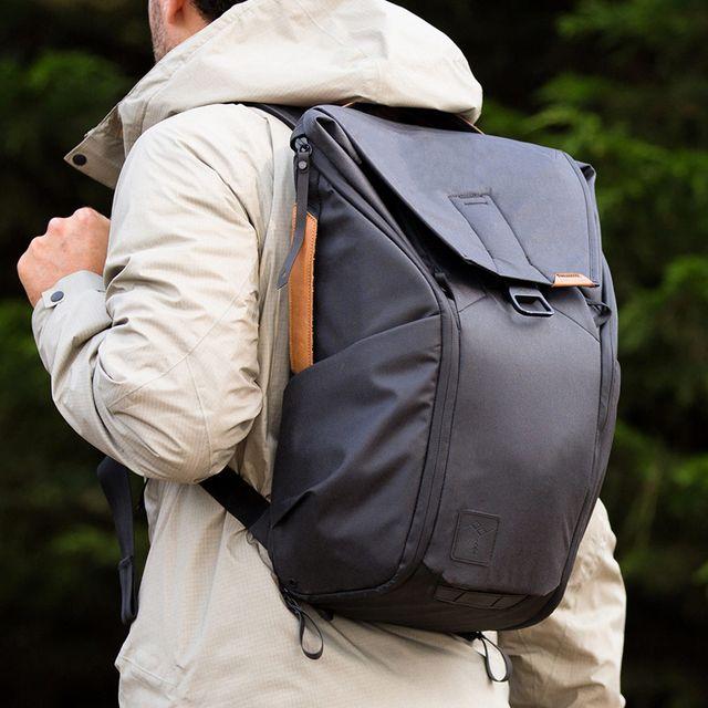 Peak-Design-Everyday-Backpack-gear-patrol-full-lead