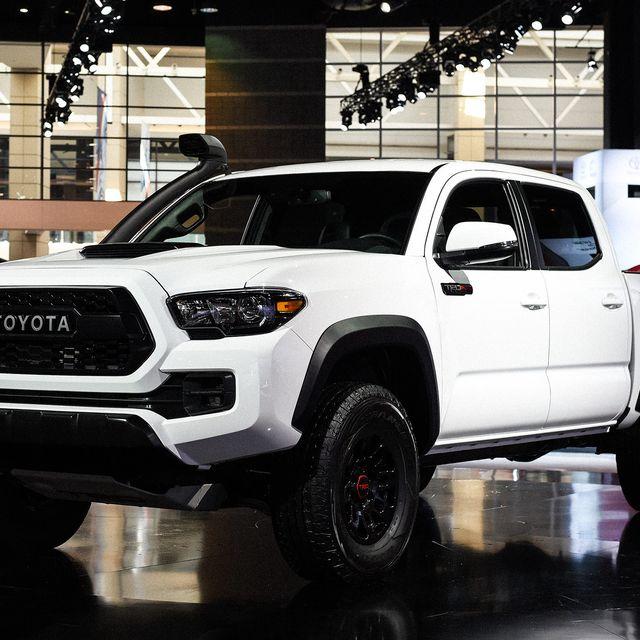 Best-of-Chicago-Autoshow-2018-gear-patrol-lead-full