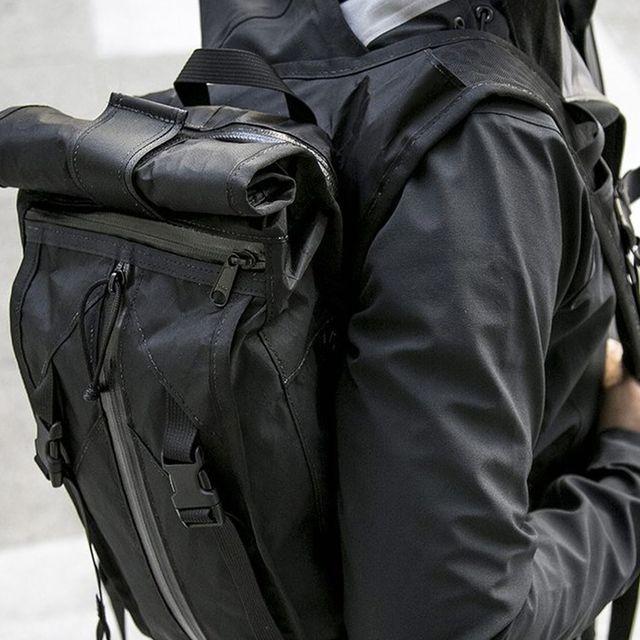 Outdoor-Essentials-gear-patrol-Mission-Workshop-full-lead
