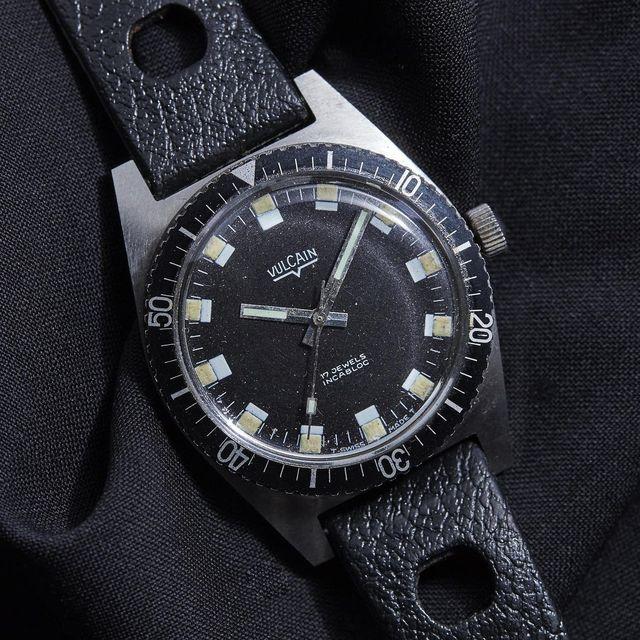 Three-Vintage-Watches-Under-1000-Dollars-gear-patrol-lead-full