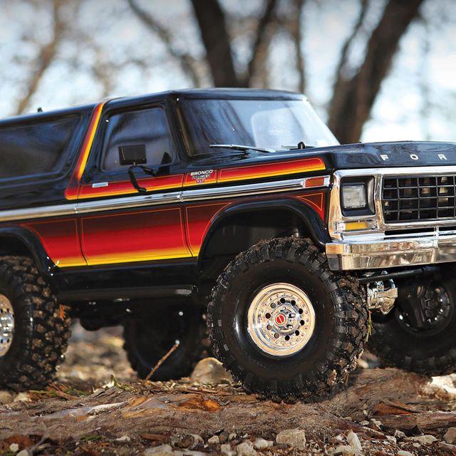 Trx-4-Bronco-gear-patrol-full-lead