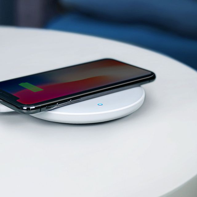 Not-All-Wireless-Chargers-Will-Work-With-Your-Current-Setup-gear-patrol-full-lead