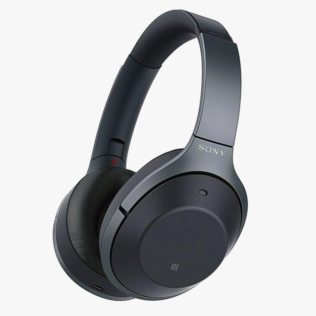 Sony-WH-1000XM2-Headphones-gear-patrol-full-lead-2